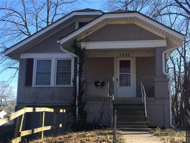 House For Rent In 7325 Walrond Ave Kansas City Mo